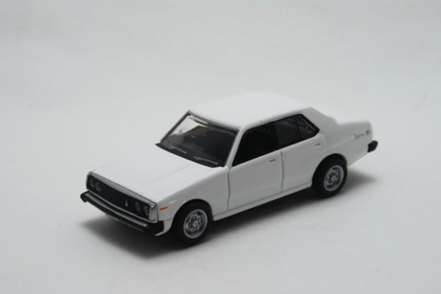 トミーテック_THE CAR COLLECTION 80 スカイラインヒストリー Nissan SKYLINE C211_001