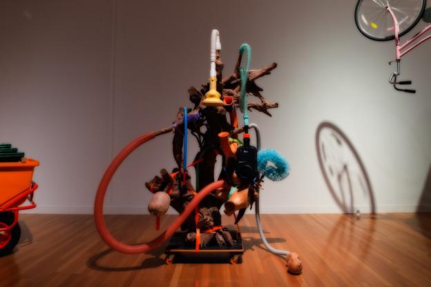 「家電のように解り合えない」のための舞台美術