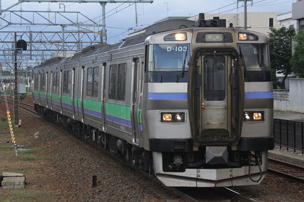 Photos: キハ201形ナホD-103編成 普通小樽行き