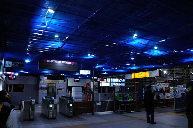 秋田駅の天井