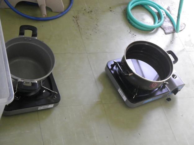 写真: ぬるま湯作り