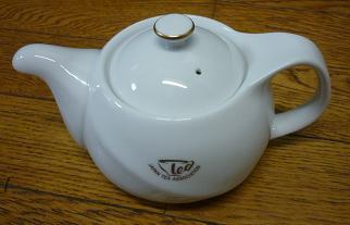 紅茶協会のティーポット