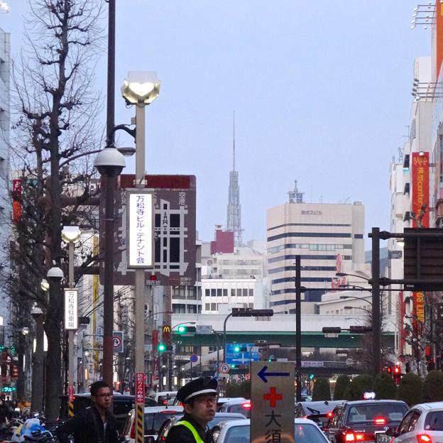 大須商店街から見えた名古屋テレビ塔 - 2