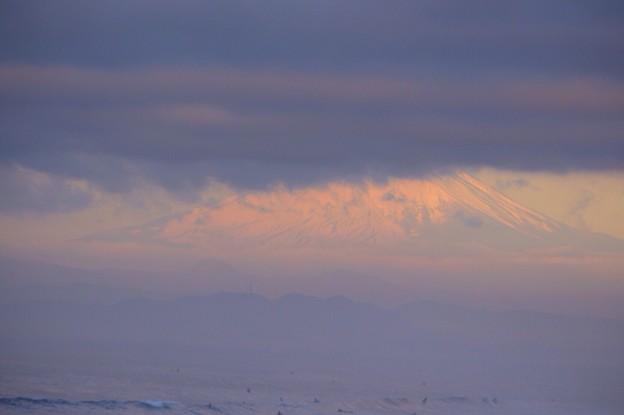 雲の向こうに見える富士山@湘南・鵠沼海岸 #湘南 #藤沢 #海 #波 #surfing #wave #mysky #fujisan #mtfuji #富士山