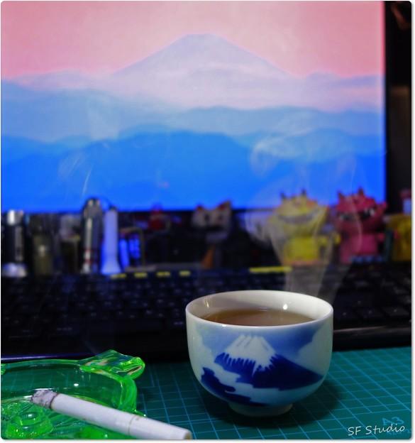 写真: 富士山で一服