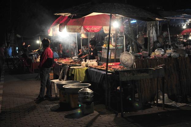 写真: Fa Ngum Road1