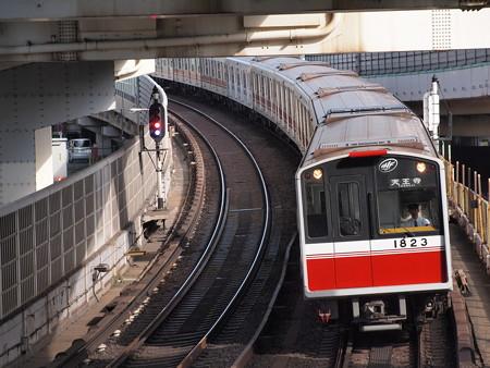 大阪市営地下鉄10系 御堂筋線西中島南方~中津06
