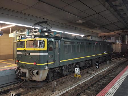 EF81 トワ釜単機回送 東海道本線大阪駅02