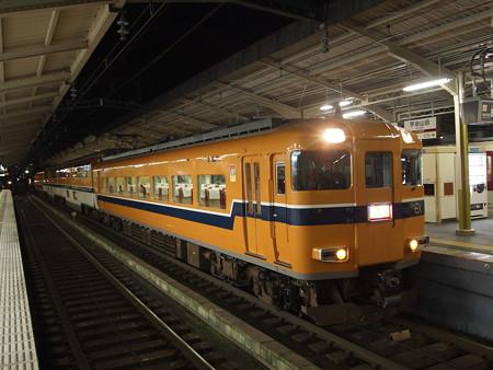 近鉄30000系特急 近鉄山田線宇治山田駅