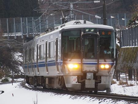 521系普通  北陸本線津幡~倶利伽羅02