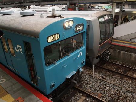 103系回送  山陽本線西明石駅02