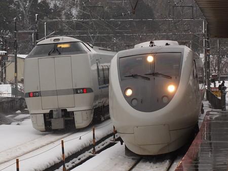 681系と683系特急サンダーバード 北陸本線新疋田駅
