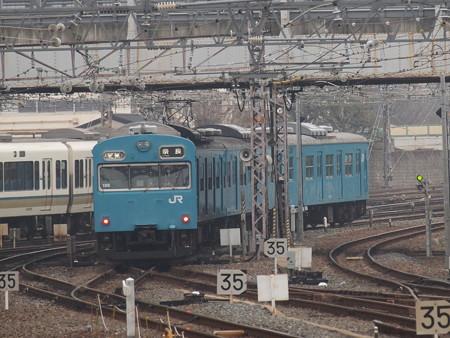 103系日根野車普通 奈良線京都駅03