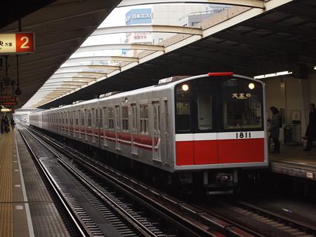 大阪市営地下鉄10系 御堂筋線西中島南方駅01