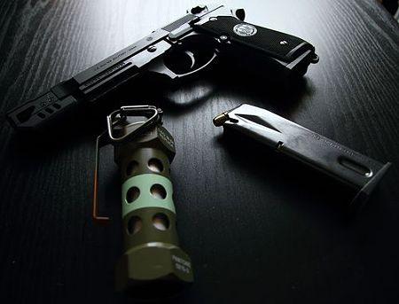 M-84 Stun Grenade (7)