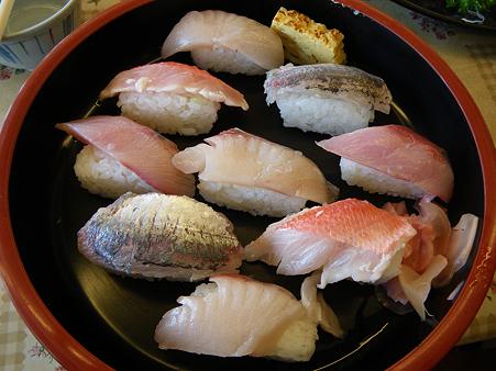 2010 07 24 -026 ばんや 朝獲れ850寿司s
