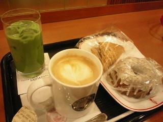 堺筋本町駅前のカフェ
