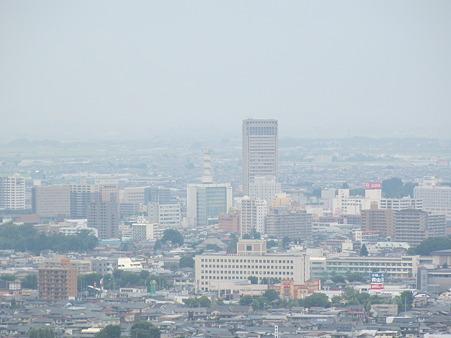 遠方から霞城セントラル