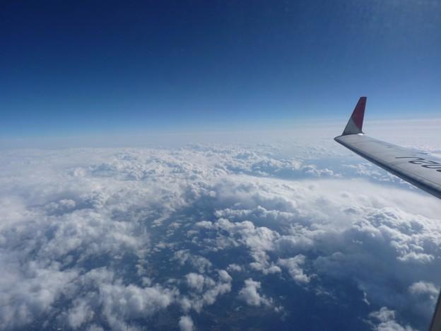 雪雲を上から見る