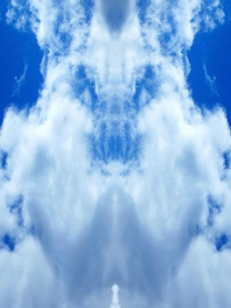雲が怒ってらぁ