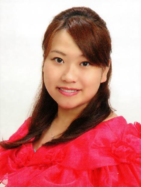写真: 成澤芽生 なるさわめい 声楽家 オペラ歌手 メゾ・ソプラノ Mei Narusawa