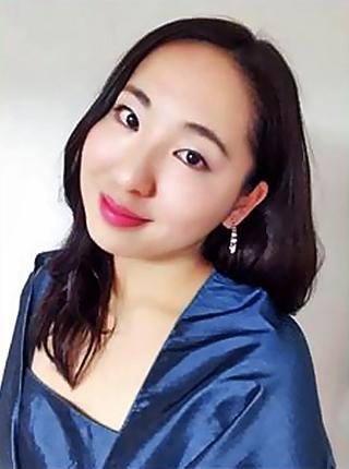 前島眞奈美 まえじままなみ 声楽家 オペラ歌手 メゾソプラノ   Manami Maejima