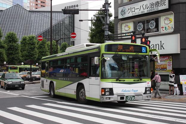 国際興業バス いすゞ・エルガ 5240号車