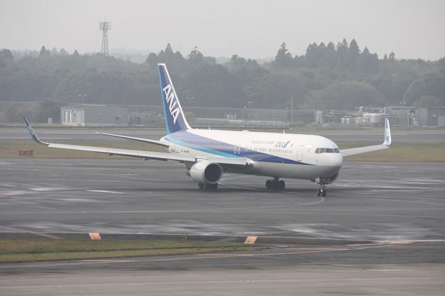 ANA B767-300 JA622A