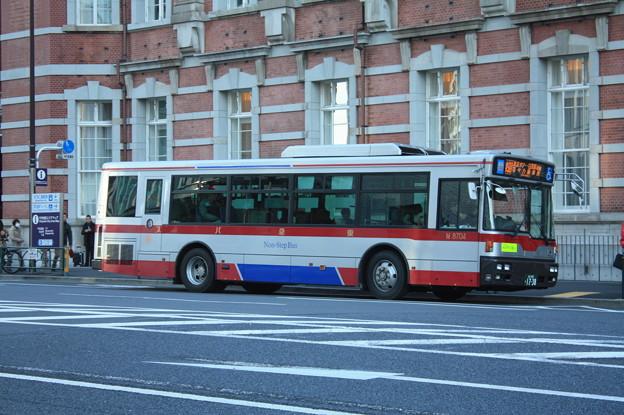 東急バス M8704