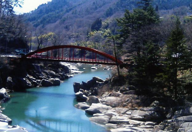 木曽八景     川はエメラルドグリーン