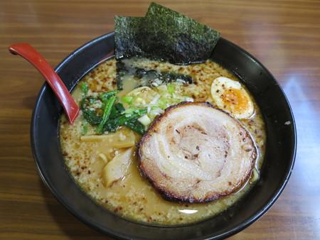 よしきゅう膳 新井ハイウェイオアシス店 大判ロースチャーシューメン(煎りにんにく味)¥1050