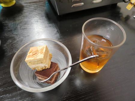 豊岡精肉焼肉店 ホルキム丼(期間限定) ミニミニケーキ