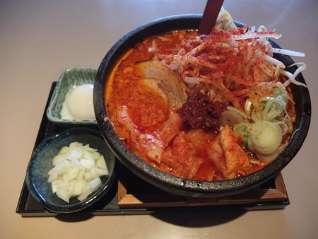 麺ぐるい 鉄鍋キムチ麺 辛さシャア¥900