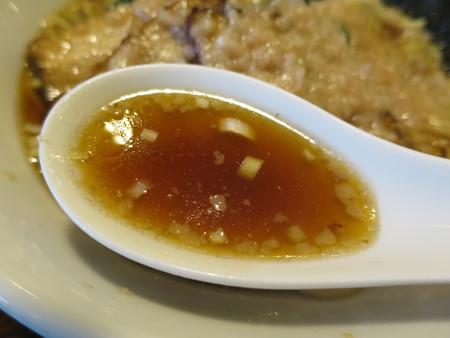 麺屋あごすけ 醤油背脂豚麺 スープアップ