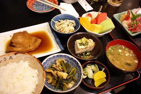 西千葉「中華料理 和食 ふさ元」 和定食 750円(カジキの煮魚)