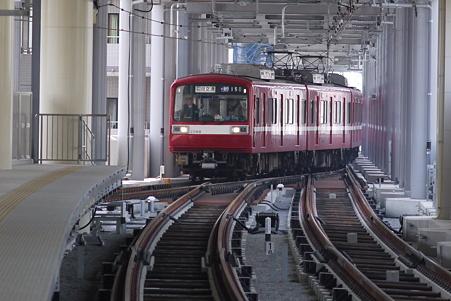 京急蒲田駅5番線(未使用) 京急2000形