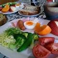 Photos: くるみレーズンパンの朝食