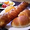 Photos: 塩パンと黄金の棒の朝食