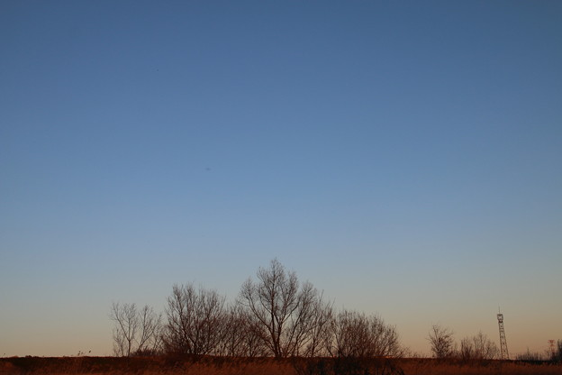 暮れ行く空色を眺めて。。