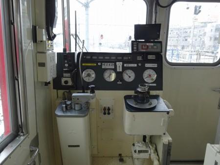 60N-運転台