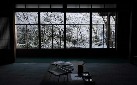 雪の直指庵2011_13