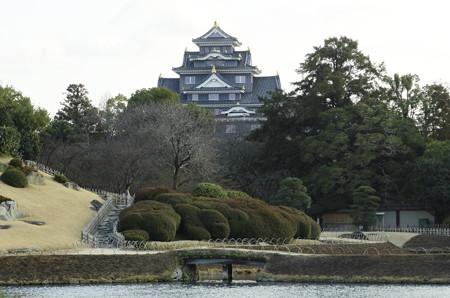 雨水の日の岡山城