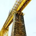 Photos: 鉄道のある風景:石造り