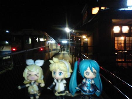 レン:「枕崎駅に到着!!」 リン:「JRの南の終着駅、おつー♪♪♪...