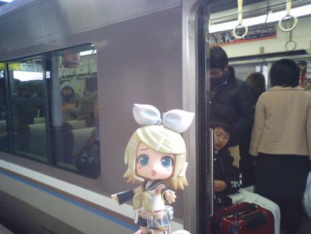 相生駅にて、姫路行きに乗り換え。 リン:「1分しかないよ、早く早...