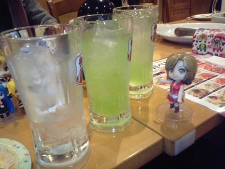 めー:「マスター、この3杯全部飲んじゃってよwww」 えぎゃーこ...