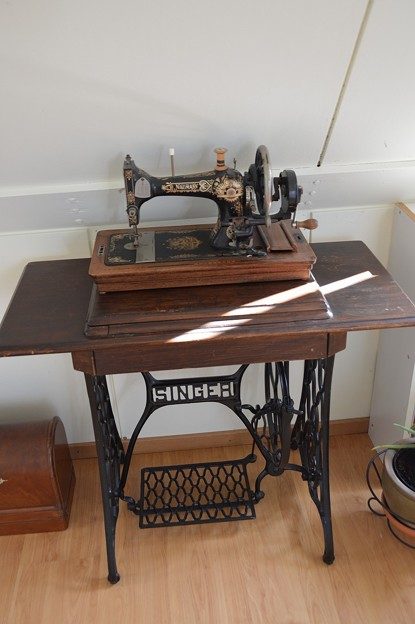 sewing machine -4