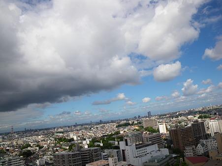 雲が迫る!