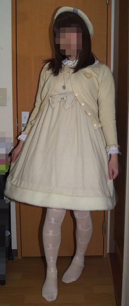 Photos: 今日のお出かけで着た服。メタモのノエルjskコーデヽ(・∀・)ノ 今日はまっしろコーデでした(´-ω-`)