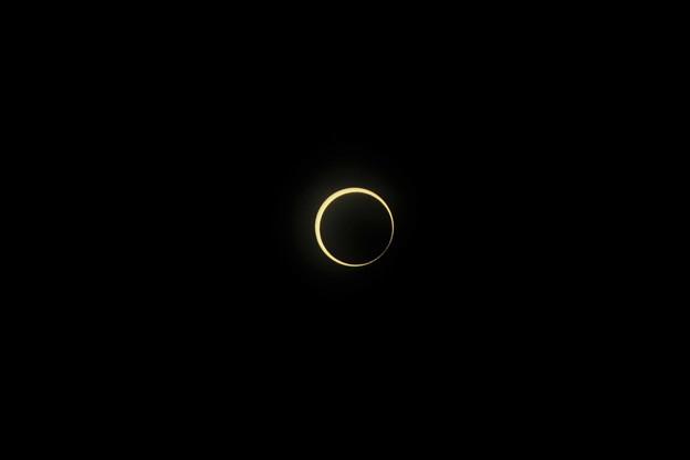 写真: 金環日食